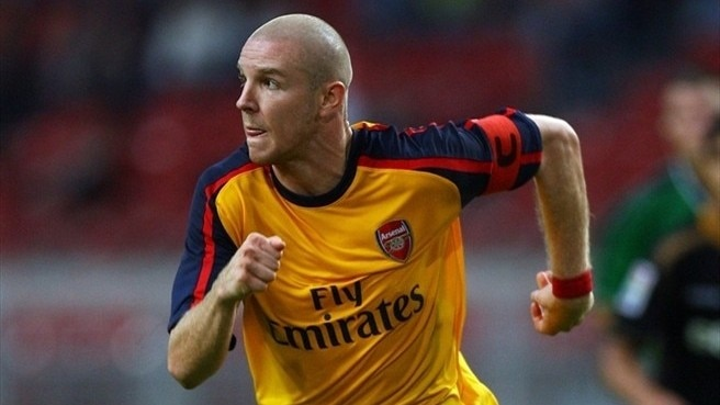 Senderos makes Milan loan move