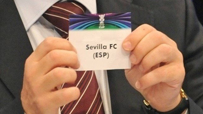 Sevilla start bid against Salzburg