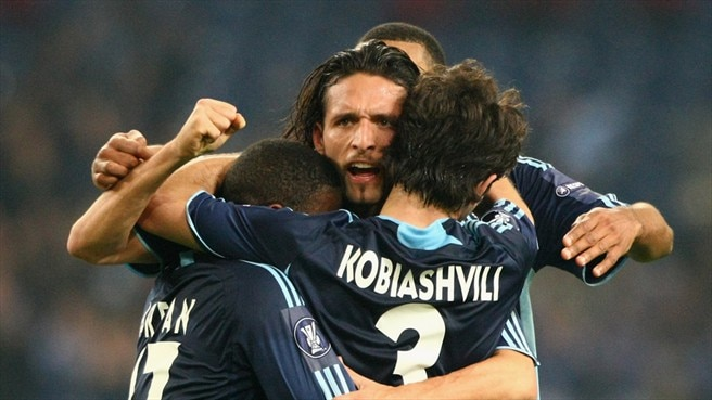 PSG crack under pressure at Schalke