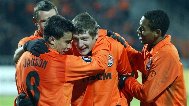 Shakhtar strike late to sink Spurs