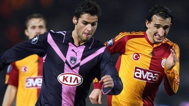 Valencia beckons for Galatasaray's Mehmet Topal