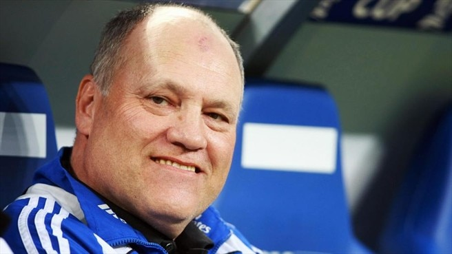 Jol leaves Hamburg for Ajax
