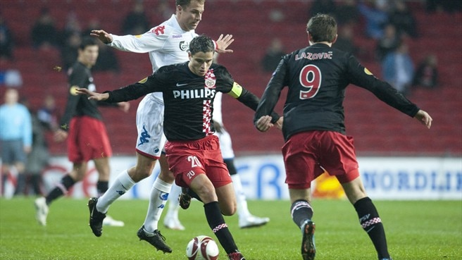 Dzsudzsák keeps PSV on course