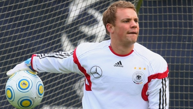 Germany's Neuer keen to keep it clean