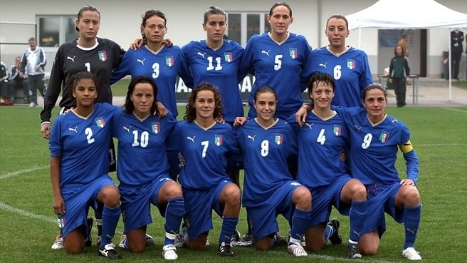 Italy through to Finland finals