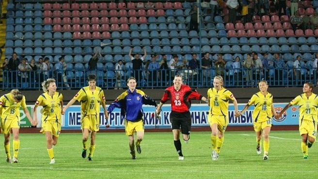 Ukraine secure comfortable play-off success