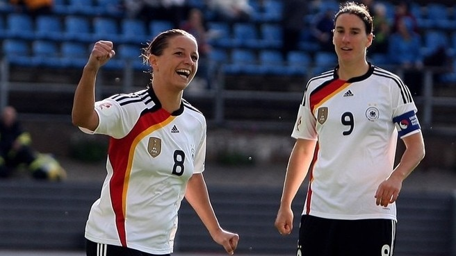 Grings goals send Germany through