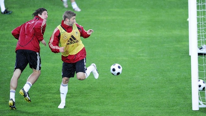 Mario Gómez & Thomas Hitzlsperger (Germany)