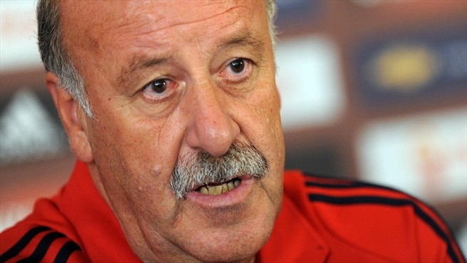 Del Bosque extends reign in Spain