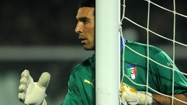 Buffon caps century with clean sheet