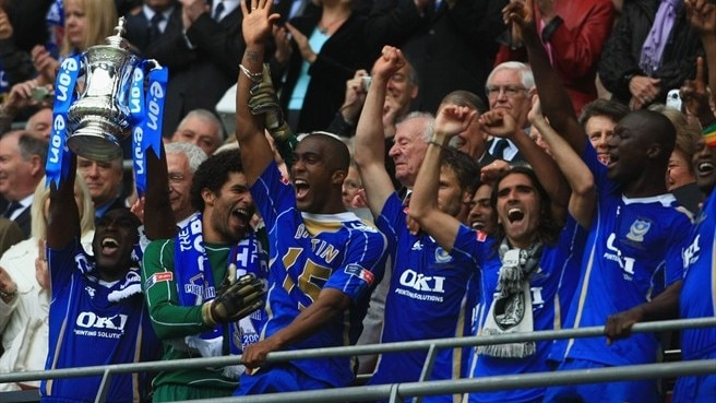 Kanu captures cup for Portsmouth