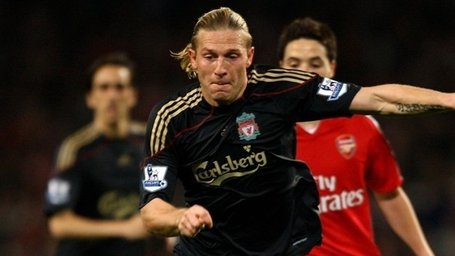 Voronin leaves Anfield for Dinamo