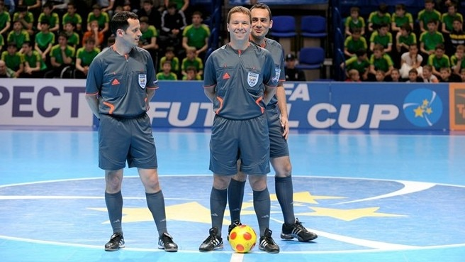 A guide to futsal refereeing