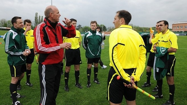 Referee Communication