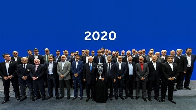 The UEFA Executive Committee and the bidding associations ©UEFA.com