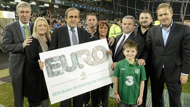 UEFA President presents award to Irish fans